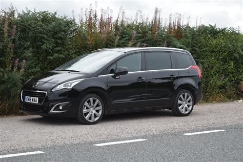 review peugeot 5008 7 seater mpv family fever