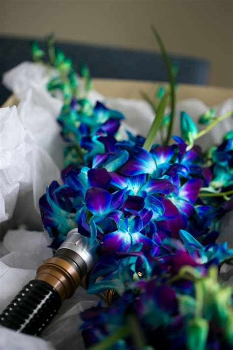 themes galaxy e5 lightsaber bouquet starwarswedding nerdwedding