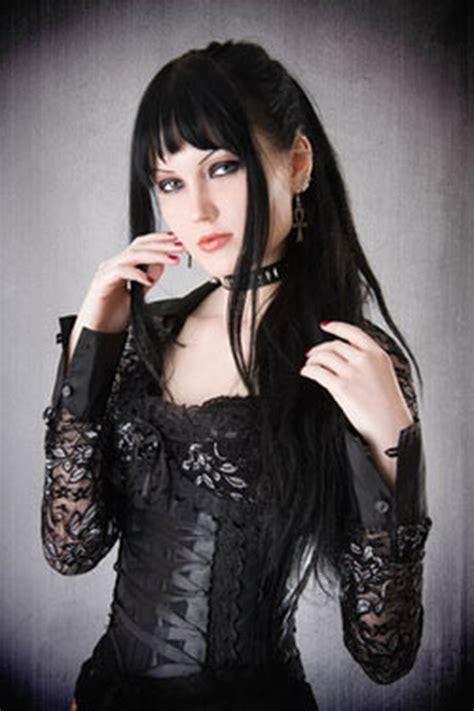 gothic frisuren frauen
