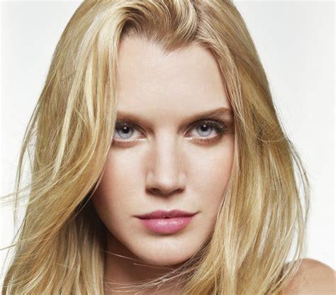everyday hairstyles blonde medium to long hair simple everyday hairstyles real simple
