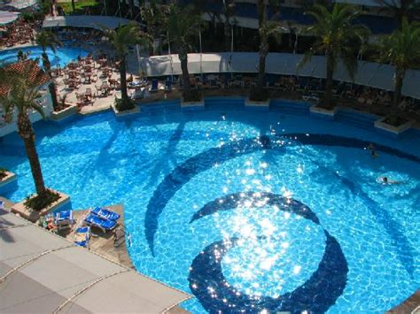 Backyard Pools Location Front Yard Pool Picture Of Admiral Resort Suites