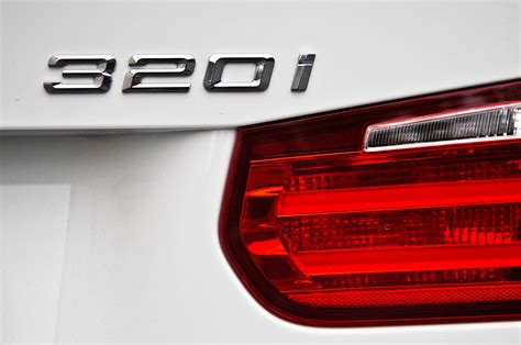 2013 bmw 320i badge photo 5
