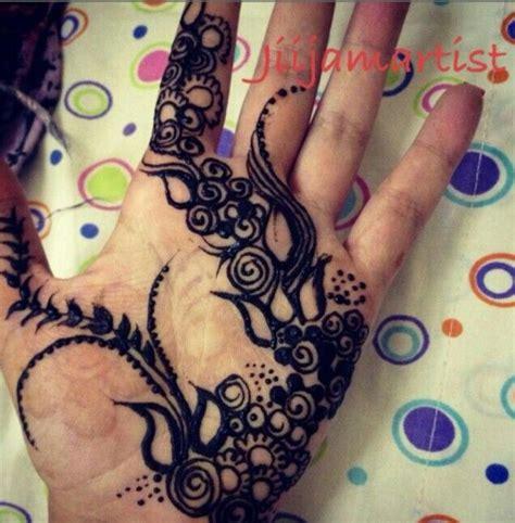 body tattoo in qatar blackhenna khaleeji design henna mehndi hennaart