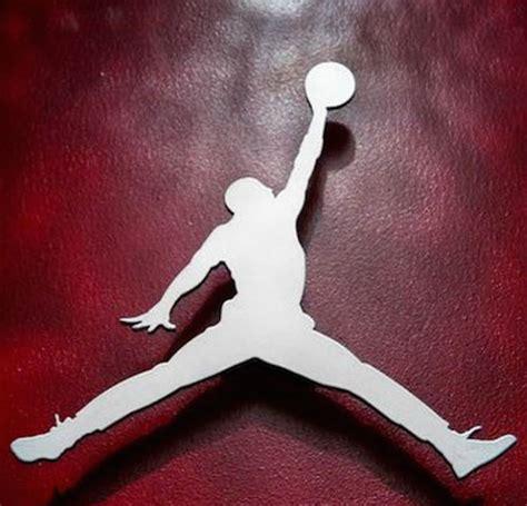 imagenes logotipo jordan nike demanda a gimnasio por plagio de logotipo revista