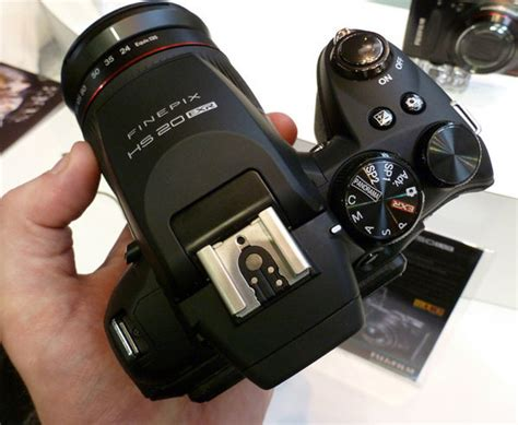 Fujifilm Finepix Hs20 Exr Hands On At Focus On Imaging 2011