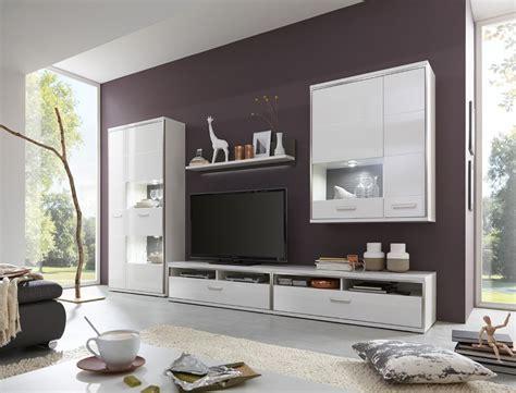 kleine familienzimmer möbel arrangement kleines zimmer mit schr 228 ge einrichten