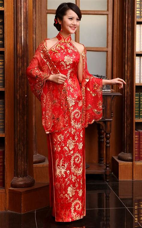 baju cheongsam modern mandarin collar gold phoenix tail red brocade halter