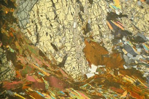 tourmaline in thin section staurolite mica schist aberdeenshire thin section