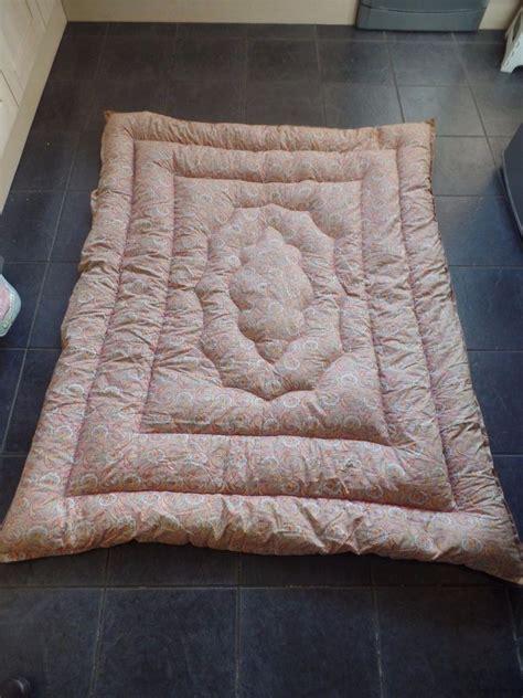 Eiderdown Quilt Uk by Vintage 1940 S Feather Eiderdown Quilt Pastel Paisley Ebay