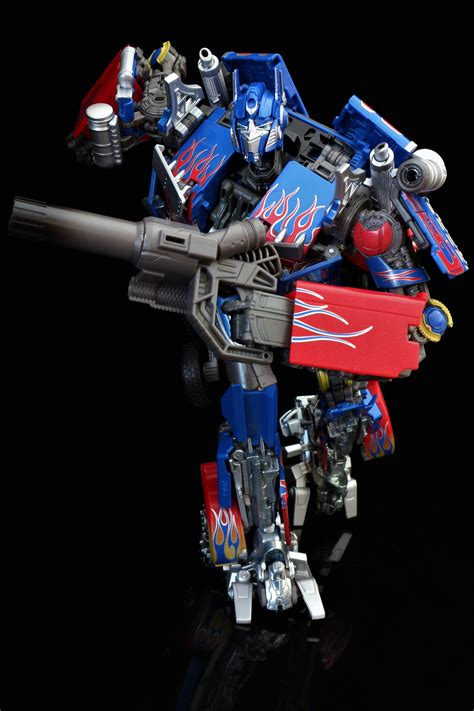 Mpm 04 Optimus Prime look at mpm optimus prime page 190 tfw2005 the 2005 boards
