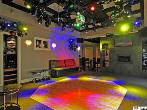 4 homes masquerading as clubs and nightclubs photos