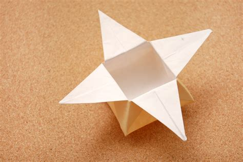 How To Make An Origami Container - comment faire une bo 238 te en forme d 233 toile en origami