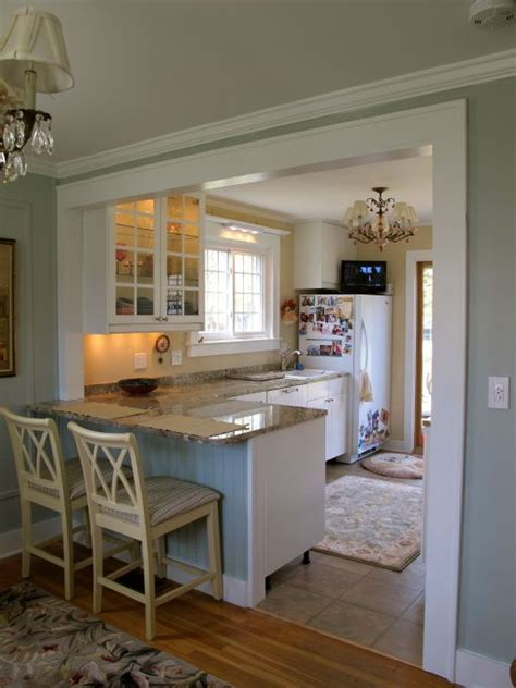 small kitchen remodel with island 25 best ideas about small kitchen designs on pinterest