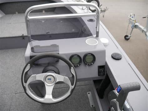 quintrex 520 renegade side console jv marine melbourne - Quintrex Boat Steering Wheel