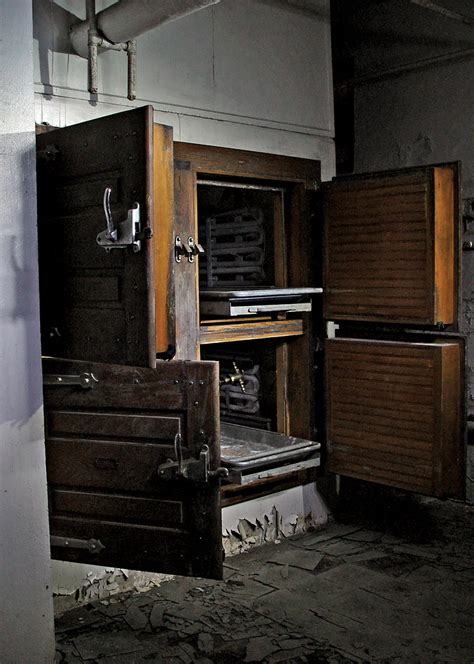 morgue photo   abandoned letchworth village