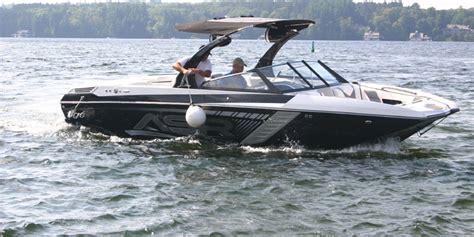 tige boats kelowna tig 233 asr tournament wakeboard wakesurf ski boat rental