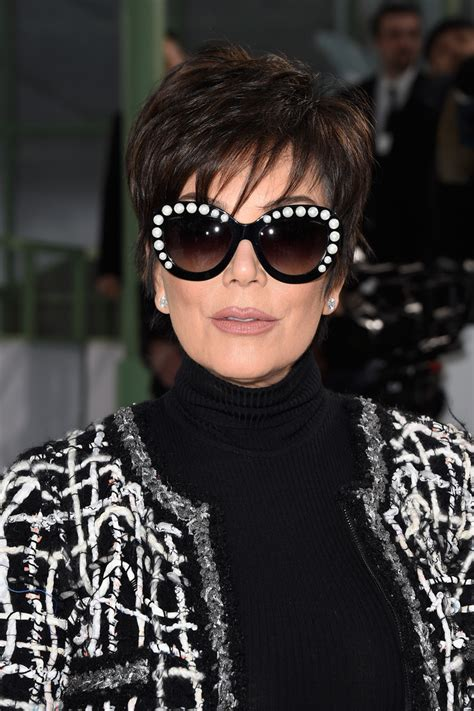 kris jenner hair 2015 kris jenner layered razor cut short hairstyles lookbook