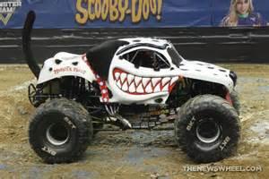 monster truck mayhem photo gallery monster jam shows dayton wheel