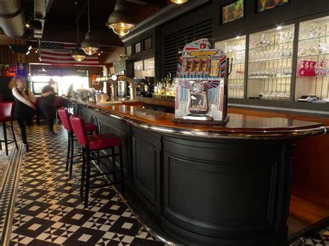 comptoir bar design comptoir bar maison bar comptoir en pin et plateau zinc