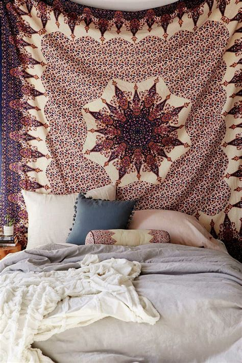 bed tapestry best 25 tapestry ideas on pinterest tapestry bedroom