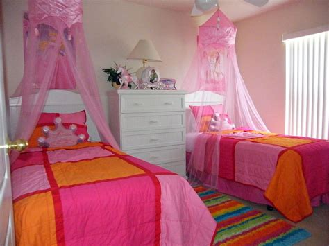 princess bedroom ideas princess room decorations 9 disney princess bedroom