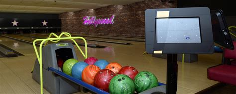 book ten pin bowling  basingstoke hollywood bowl