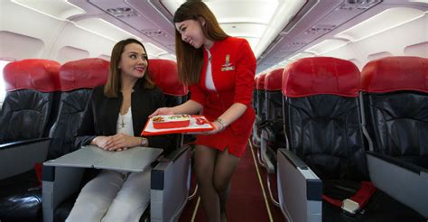 10 responsibilities of a flight attendant you should about