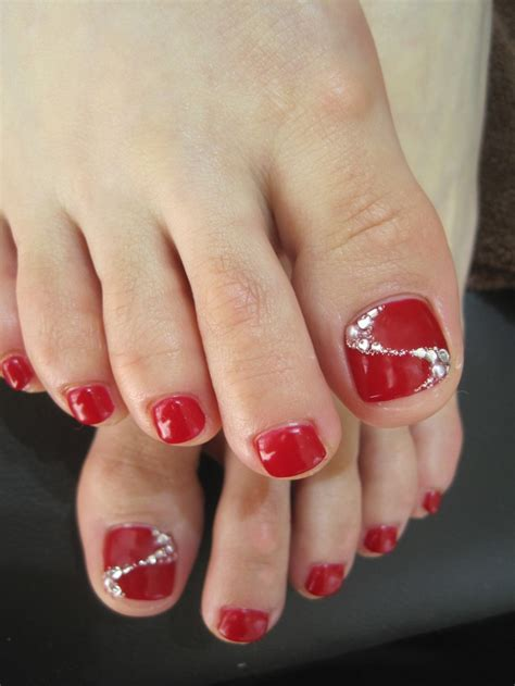 Stewart Gets Nails Toes Did by Best 25 Pedicure Ideas On Toe Nails