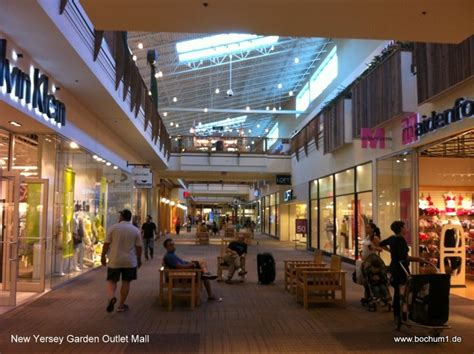 outlet shopping new york jersey gardens syracuse n y