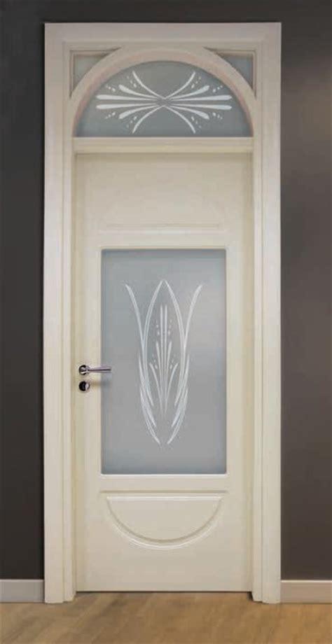 porte interne avorio porta per interni in legno avorio e vetro sabbiato