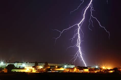 different types of lighting in are there different types of lightning the why files