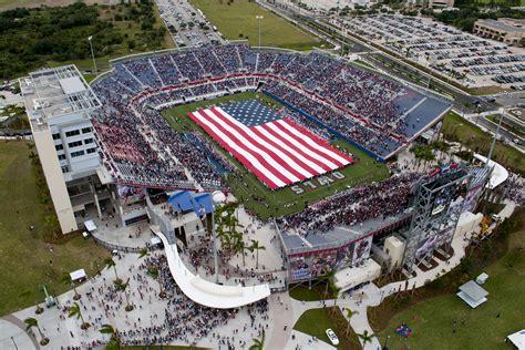 Fau Finder Fau Celebrates Stadium Grand Opening Images