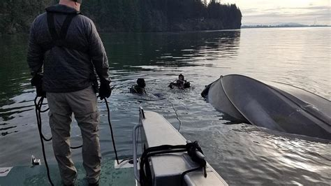 crash capsizes fishing boat in columbia river two men - Fishing Boat Accident On Columbia River