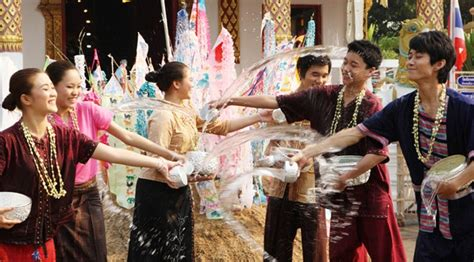 visiting thailand during new year thai new year songkran 2017 made thailand tourism 1 3