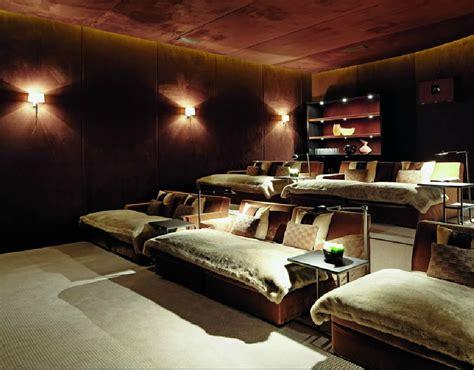 home theatre room    idea   beds