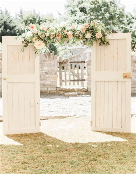 Wedding Ceremony Doors by 20 Ceremony Door Arches Altars Southbound