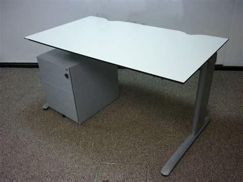 Second Office Desks Uk by White 1400mm Desks Used Second Office Furniture