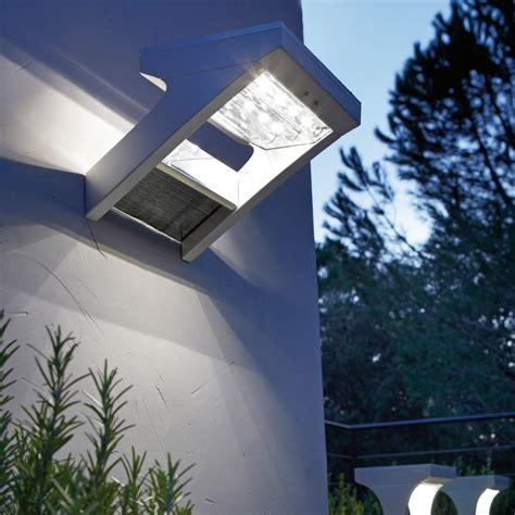 illuminazione giardino solare lade solari per illuminare il giardino risparmiando