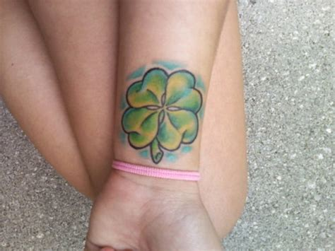 four leaf clover wrist tattoos four leaf clover pictures collection