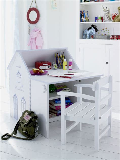 20 Cool Kids Desks For Painting And Writing Digsdigs Kid Desk
