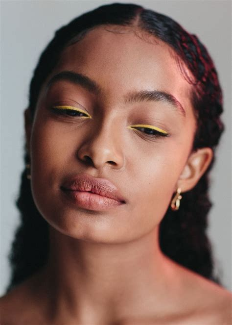 The Coolest Eyeliner Looks yara shahidi wears the coolest makeup looks of the year