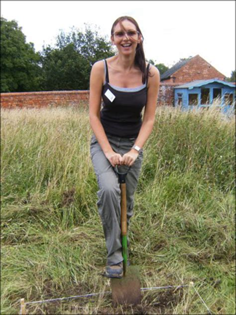 carenza lewis time team bbc leicester history gallery kibworth dig