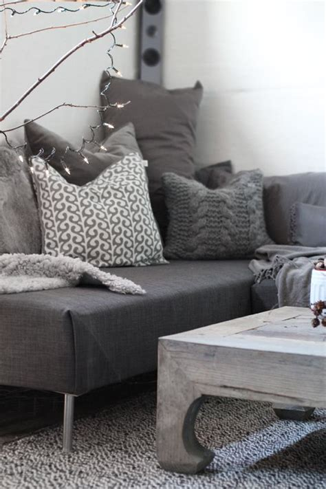 make a twin bed into a couch 25 best ideas about twin mattress couch on pinterest