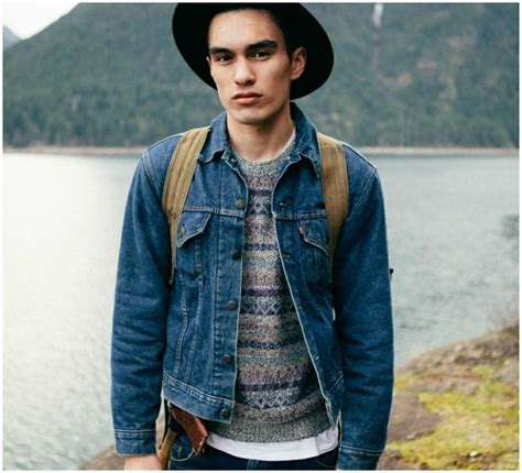 How To Wear A Jean Jacket Without Looking Like A Bag by How To Wear A Denim Jacket 3 Ways The Idle