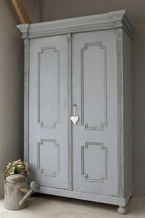 Relooker Armoire Ancienne   comment relooker une armoire