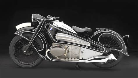 rolling sculpture art deco cars from the 1930s and 40s