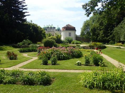 botanischer garten der universität wien wien österreich summer is almost in vienna bg bild botanischer