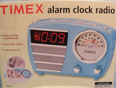 88 timex retro alarm clock radio t247lt