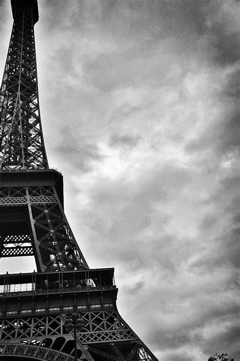 wallpaper black and white paris paris wallpaper black and white wallpapersafari