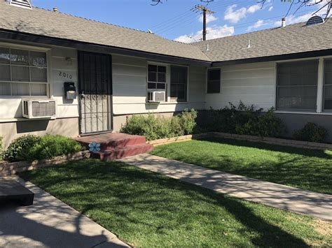 burbank 2 bedroom apartments for rent townhome in burbank 2 bed 1 bath 1800